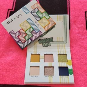Tetris x ipsy Game on Eyeshadow Pallet
